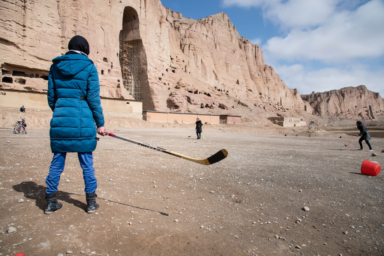 8 Hockey Sticks - Women's Hockey in Afghanistan